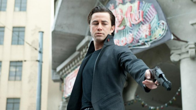 joseph-gordon-levitt-in-looper-2012-movie-image-e1332035632364